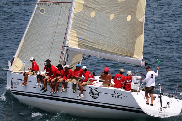 Beneteau First 40 - Smile and Wave
