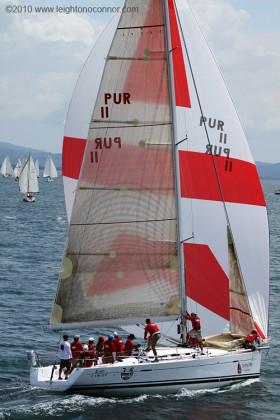 Under sail Beneteau First 40